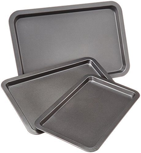AmazonBasics 3 Piece Baking Sheet Set