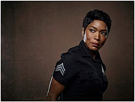 9 1 1 Angela Bassett As Athena Grant Waist Up Shot Leaning Over Looking Sexy 8 X 10 Inch Photo At Amazon S Entertainment Collectibles Store