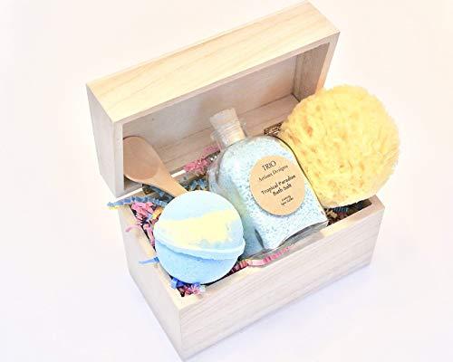 (Tropical Bath Salt Gift Set with Blue Bath Bomb and Sea Sponge)