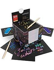 Arteza Notas de scratch art   8,9 x 8,9 cm   202 notas de rascar   Colores arcoiris + Holograficos: oro, rosa, azul y espacio   Con 2 rascadores + 2 lijas   Manualidades para niños, aulas y bricolaje
