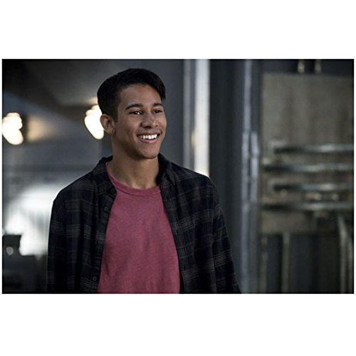 The Flash Keiynan Lonsdale As Wally West Close Up Smile 8 X 10 Inch Photo
