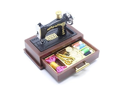 (ChangThai Design Vintage Sewing Machine Dollhouse Miniature)