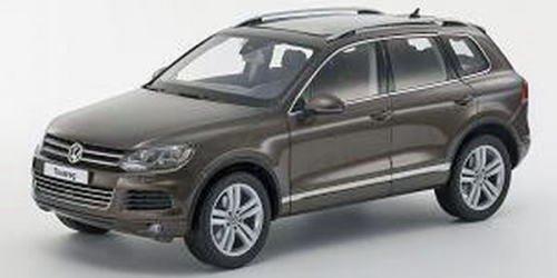 1/18 Volkswagen Touareg 2010 FSI グラシオーザ ブラウンメタリック ダイキャストモデル 「KYOSHOオリジナル」 K08821GBR