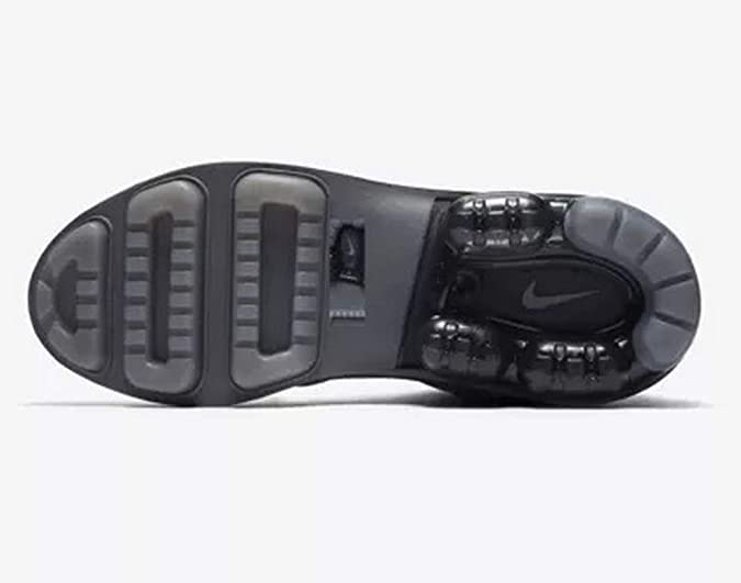 b9e41c725a Amazon.com   Nike Women's Air Vapormax Light II Shoes Size 7 Grey   Fitness  & Cross-Training