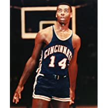 OSCAR ROBERTSON CINCINNATTI ROYALS BASKETBALL 8X10 HIGH GLOSSY SPORTS ACTION PHOTO (R)