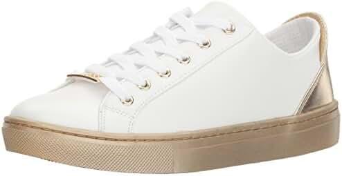 GUESS Women's Jacaly2 Sneaker