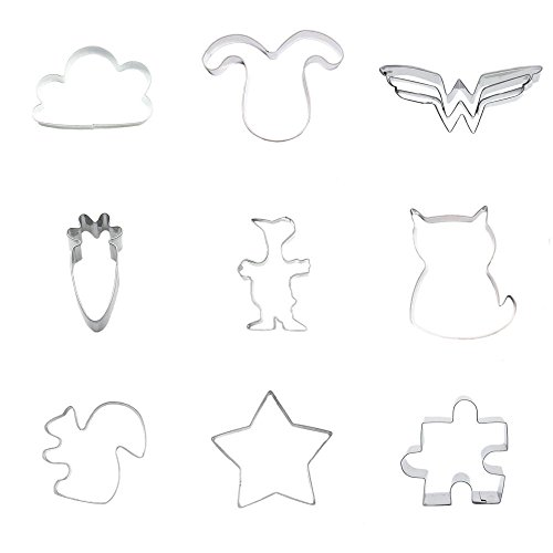 9 Pieces Cookie Cutter Biscuit Jigsaw Puzzle Five-pointed Star Squirrel Cat Kitten Duck Radish Carrot Female Batman Vampire Puppy Dog Head Cloud]()