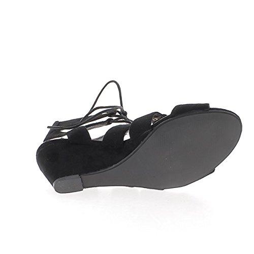 Negro cuña sandalias con tacones de 7cm mira las correas y los cordones de ante