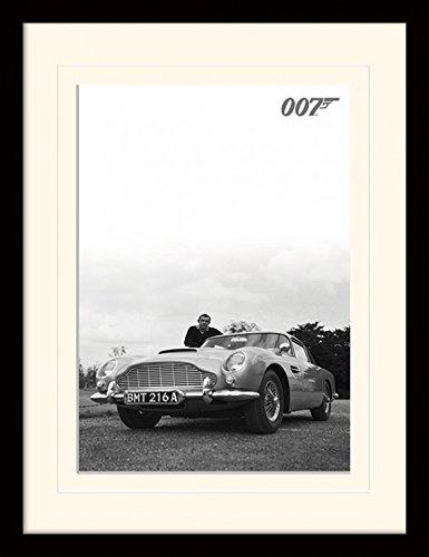 James Bond 007 Framed Collector Poster - Sean Connery. Aston Martin DB5 (16 x 12 inches)