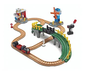 Amazon.com: GeoTrax Working Town Train Railway Playset: Toys & Games