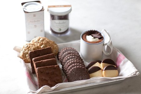 Sarabeth's Chocolate Lovers Gift Box - Cookies, Brownies, Marmalade Cookies, and Tin of Hot Chocolate - Pack of 3 by Sarabeth's