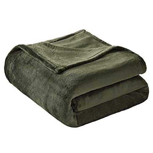 VEEYOO Flannel Fleece Blanket King Size - Extra Cozy All Seasons Soft Plush Microfiber Couch Bed Blanket, Olive Green ()
