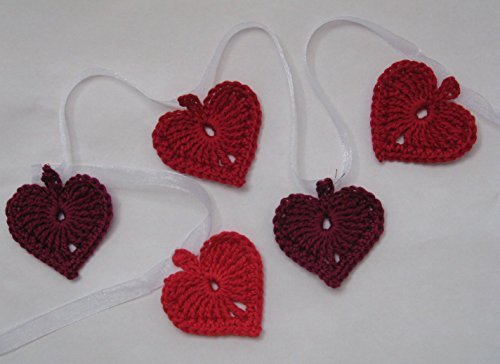 flags chain banner, knitted garland in red shades (Organza Garland)