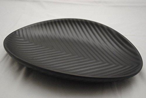 Lucky Star Melamine Oval Plates Dinner Appetizer Platter Snack Side Dish 9 inch X 7 inch, Black, Leaf Shaped (40)