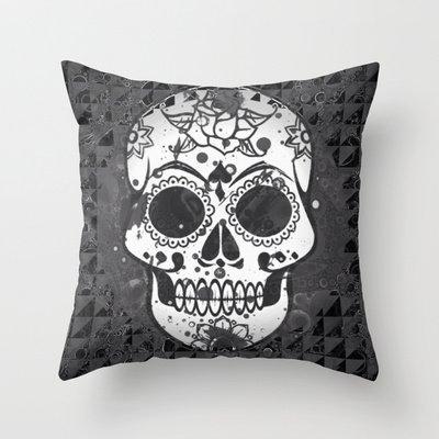 Price comparison product image Decorative Arts Black And White Skull New arrival comfortable pillowcase