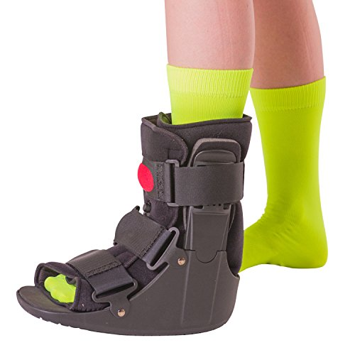 BraceAbility Short Air Ankle Walker Boot | Medical-Grade Orthopedic Foot Cast Brace for Sprained Ankle, Broken Foot, Toe Injury, Metatarsal Stress Fracture, Post Surgery, Achilles Tendonitis (Medium)