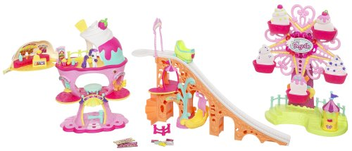 Hasbro My Little Pony Ponyville Deluxe Playset (My Little Pony Ponyville Sweet Sundae Amusement Park)