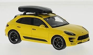 Porsche Porsche Macan Gts Yellow 0 Model Car Ready Made Spark 1 43 Model Amazon De Spielzeug