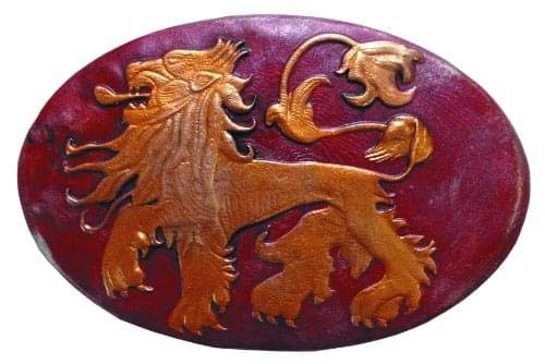 (Dark Horse Deluxe Game of Thrones Lannister Shield Pin)