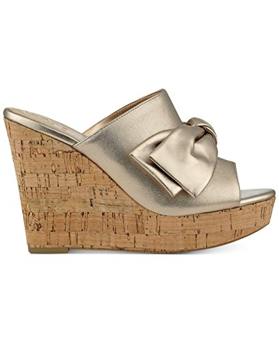 (GUESS Womens Hotlove Leather Open Toe Casual Platform Sandals, Gold, Size 7.0 8K)