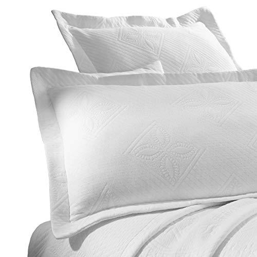Superior 100% Cotton Celtic Circles 3-Piece Scalloped Bedspread Set, King, White