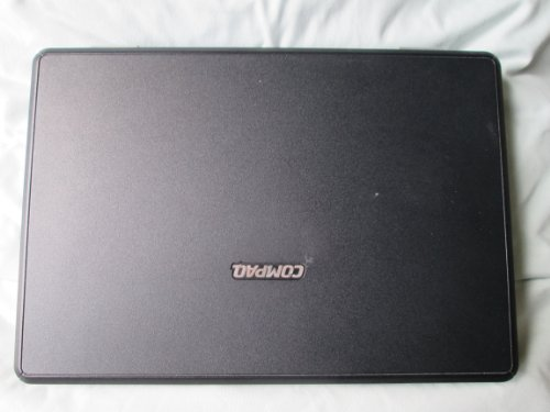 Compaq Presario V2000, 14.1 Inch Wide-Screen LAPTOP (Black with Silver)