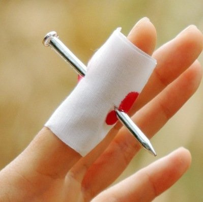 (river home Convenient New Prank Joke Toy Fake Nail Through Finger Trick Halloween Kids Children Gags Practical)