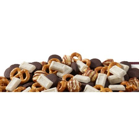 Hershey's Cookies 'n' Crème Popped Snack Mix, 8 Oz (3Pack) by HERSHEY'S