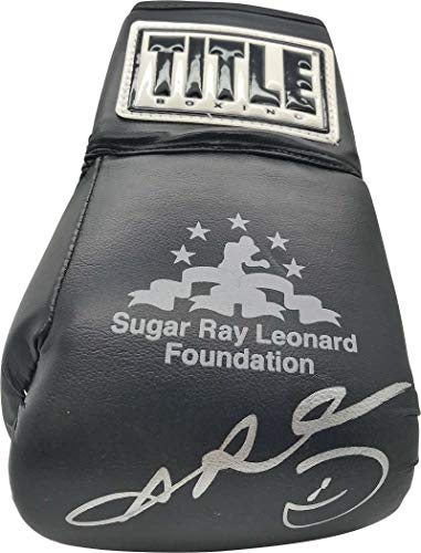 Sugar Ray Leonard Signed Autographed TITLE Boxing Glove Beckett BAS