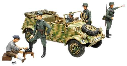 (89750 1/35 Kubelwagen Type 82 w/Ger Field Mil Police)