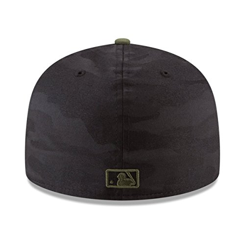 007f8849fc9 Amazon.com  New Era New York Yankees 2018 Memorial Day On-Field 59FIFTY  Fitted Hat – Black Olive  Clothing