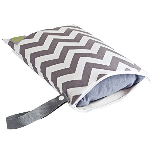 itzy-ritzy-travel-happens-sealed-wet-bag-with-handle-c-grey-chevron