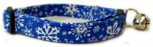 Breakaway Cat Collar in Christmas Blue Snow Flakes (Handmade in the U.S.A.) (Snowflake Cat)