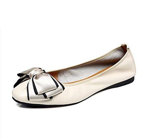 Los Zapatos de Las Mujeres arquean los Zapatos Planos de Cuero Los Zapatos de Las Mujeres de la Boca Baja Calzan los Zapatos Planos B