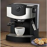 Farberware FES15B 15-Bar Pump-Driven Espresso Machine