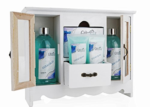 Spa Gift Basket With Refreshing Ocean Bliss fragrance - Bath Set Includes Shower Gel, Bubble Bath, Bath Salts And more - Great Wedding, Birthday, Anniversary, or Thank You Gift Set for Women and Girls