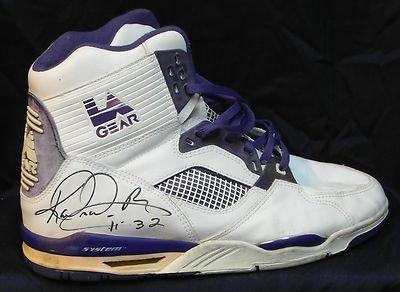 616d1704d1e8 Karl Malone Signed Used Basketball Shoe La Gear Purple N White! Full Ar Loa!