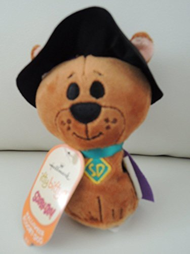 itty bittys Halloween Scooby-Doo Stuffed Animal]()