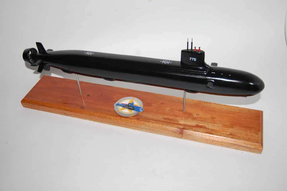 Amazon com: USS Texas (SSN-775) Submarine Model: Toys & Games