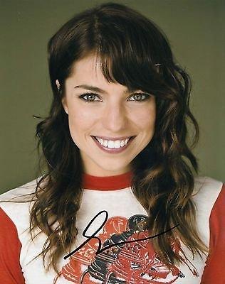 Angela Trimbur signed movie star 8x10 photo w/coa