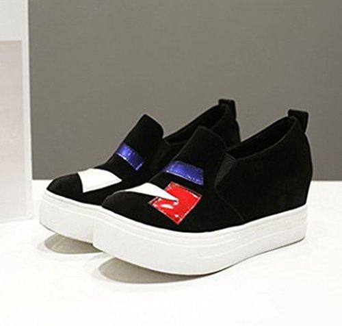 Showhow Comfortabel Damessweater Met Suède Verborgen Hak Op Sneakers Zwart