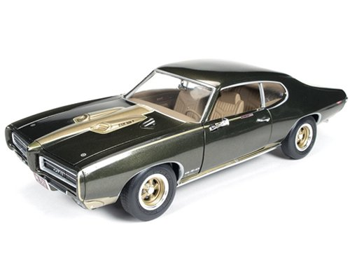 1969 Pontiac GTO Royal Bobcat/Royal Pontiac 1/18 Limited to 1250pc by Autoworld AMM1042 by Auto World