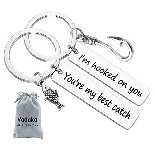 Couple Keychain I'm Hooked on You You're My Best Catch Keychain Set Fisherman Gift Fishing Lure Jewelry Couple Gift for Lovers Boyfriend Girlfriend(2 Pack)]()