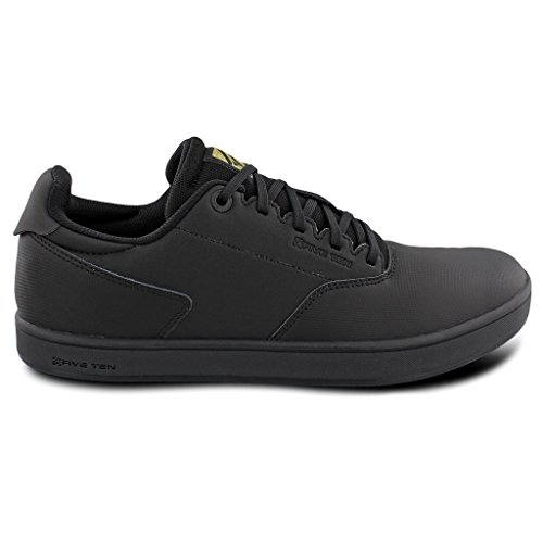 Adidas Sport Performance Men's District Flats Sneakers, Black, 13 - Cycling Shoes Adidas