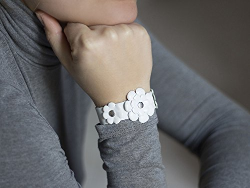 Sliced white leather wrap bracelet (Sliced Leather)