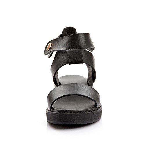 Amoonyfashion Kvinners Fast Ku Lær Lave Hæler Åpne Tå Spenne Sandaler Med Metall Ornament Svart