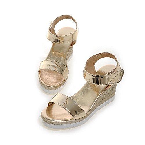Odomolor Mujeres Puntera Abierta Velcro Sólido Plataforma Sandalia Gold
