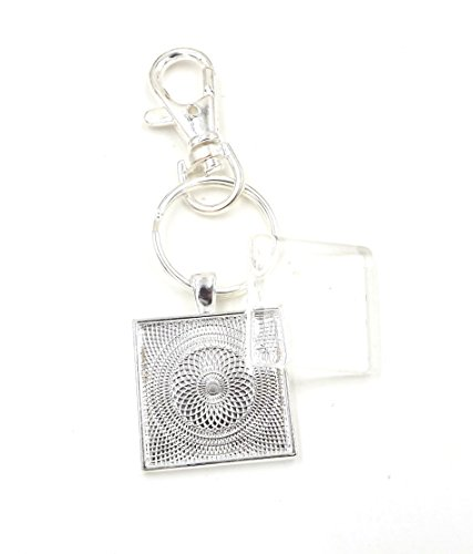 (12 Deannassupplyshop 1 inch Square Pendant Trays with key chain and glass dome - Silver - 1 inch - Pendant Blanks Cameo Bezel Settings Photo Jewelry - Custom Jewelry)