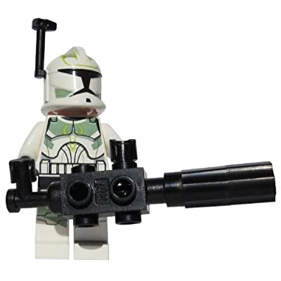 Clone Commander Green Leader (With Chaingun) - LEGO Star Wars Clone Wars Minifigure with Helmet Rangefinder and Rotary Chaingun Blaster: Toys & Games