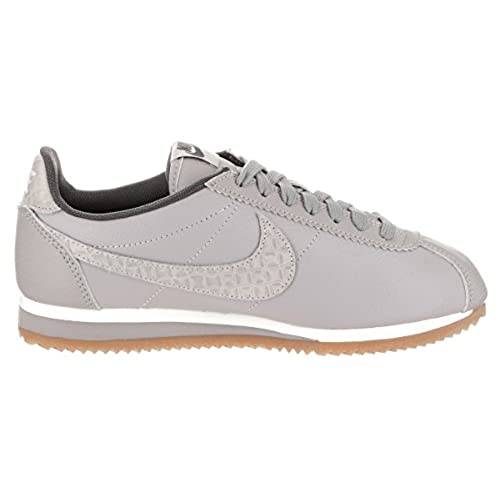 chic Nike Women s Classic Cortez Leather Lux Casual Shoe ... 2c8a0be786